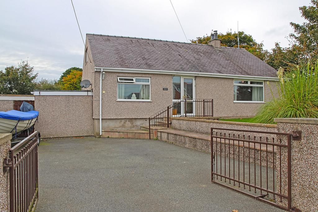 4 Bedrooms Detached Bungalow for sale in Rhosybol, Amlwch, North Wales