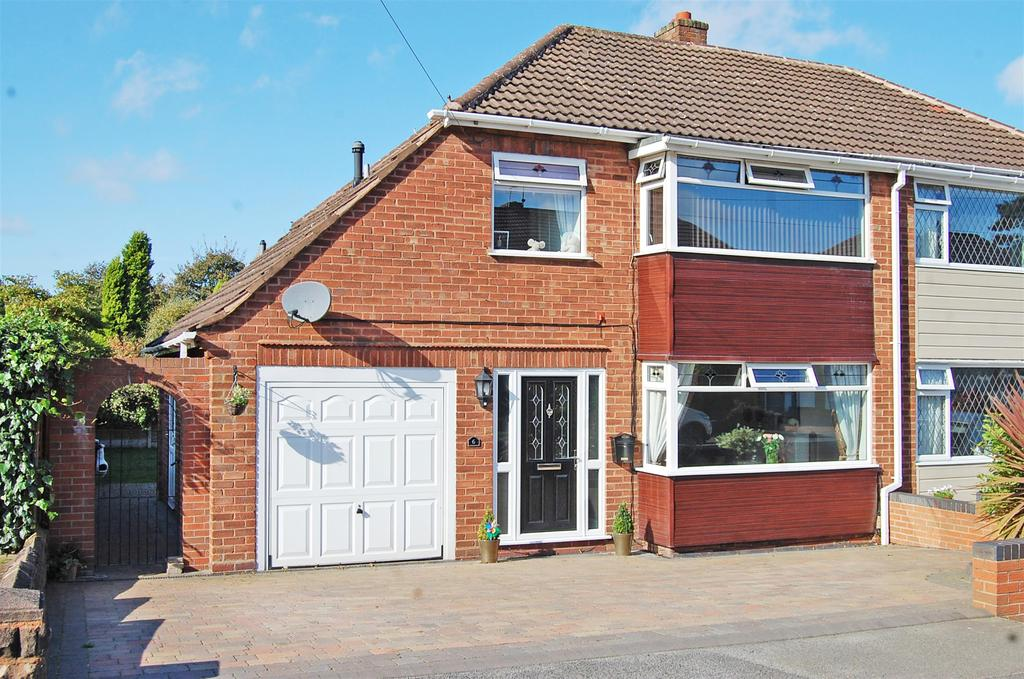 3 Bedrooms Semi Detached House for sale in Southerndown Road, Sedgley, West Midlands, DY3 3NB