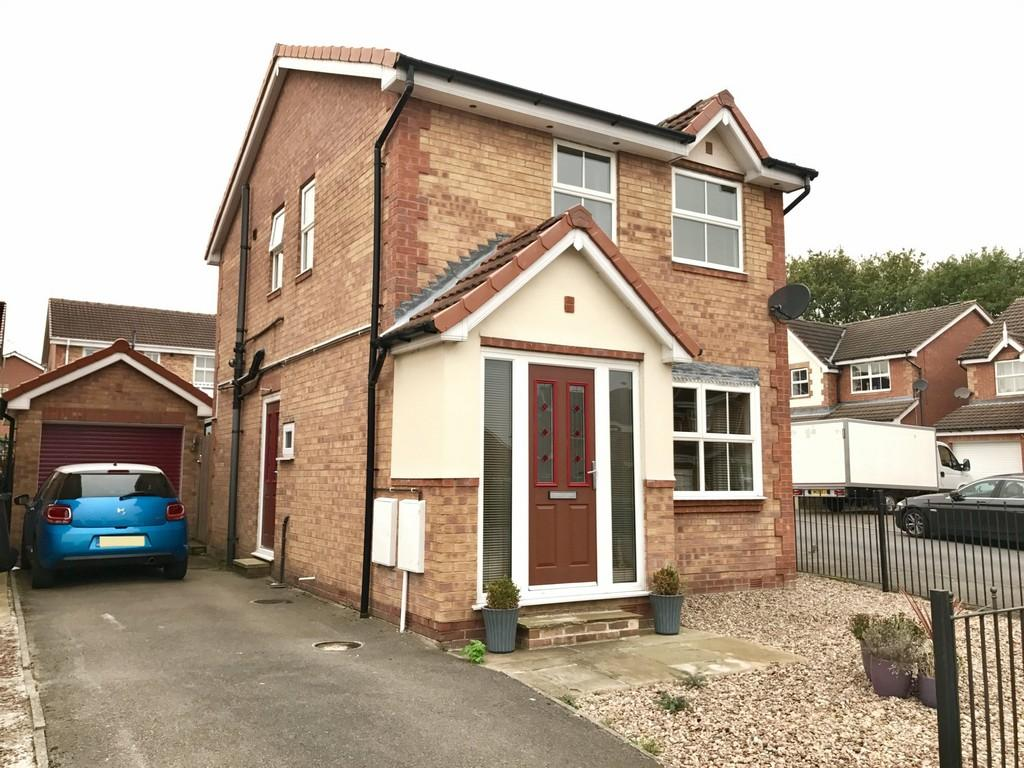 3 Bedrooms Detached House for sale in Kent Close, Royston S71