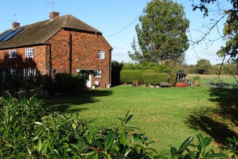 3 bedroom cottage for sale - Cranbrook Road, Staplehurst