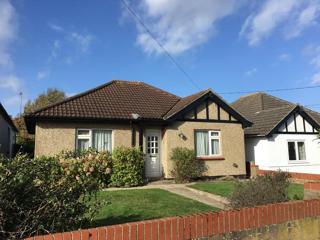 2 Bedrooms Detached Bungalow for sale in Gorleston Road, Oulton, Lowestoft