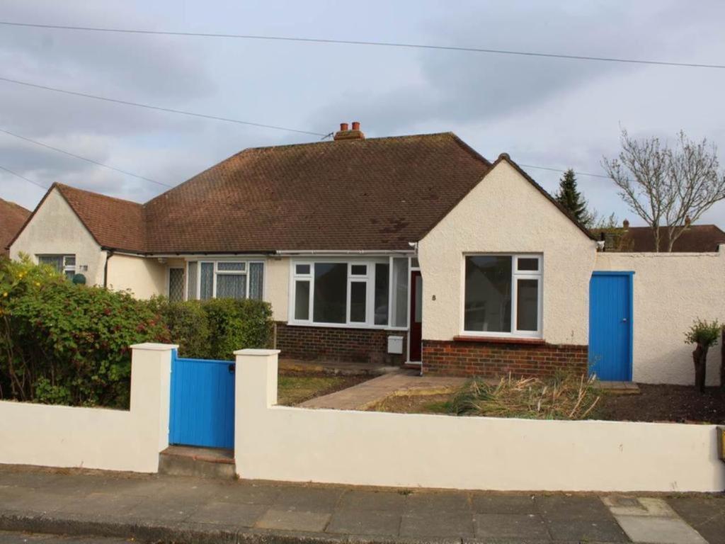1 Bedroom Bungalow for rent in Valerie Close, Portslade, Brighton