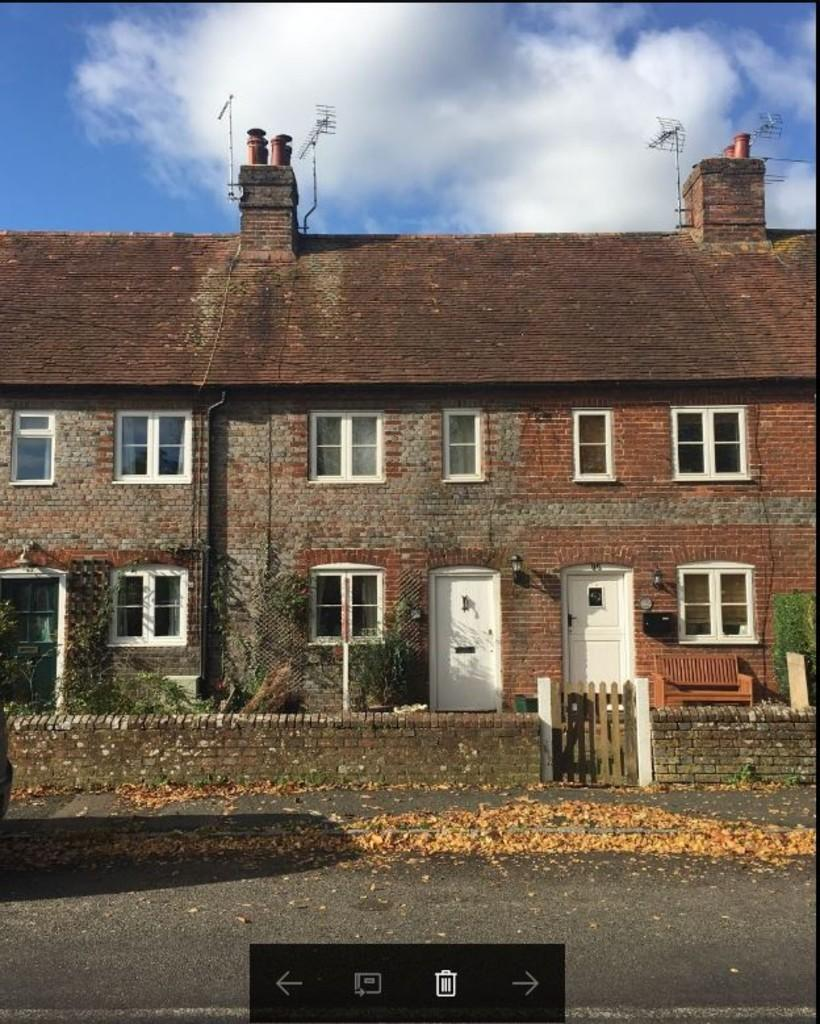 2 Bedrooms Terraced House for sale in The Street, Boxgrove