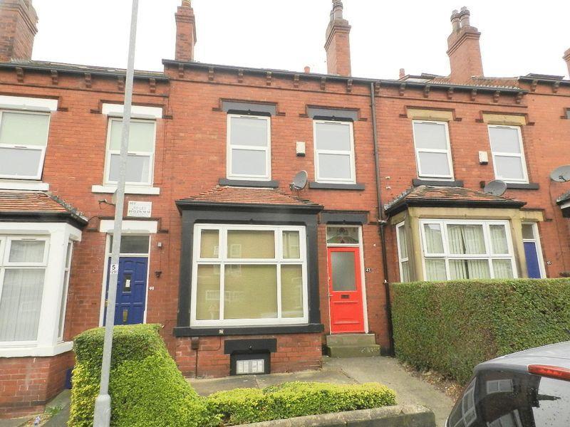 6 Bedrooms Terraced House for sale in Headingley Avenue, Leeds