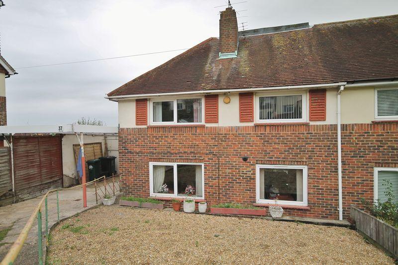 4 Bedrooms Semi Detached House for sale in Hartfield Avenue, Hollingbury, Brighton,