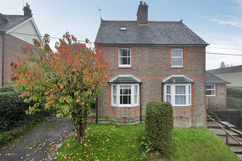 3 Bedrooms Semi Detached House for sale in Ghyll Road, Crowborough, East Sussex