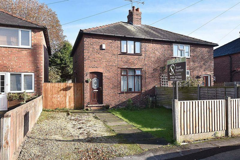 3 Bedrooms Semi Detached House for sale in Warren Avenue, Knutsford