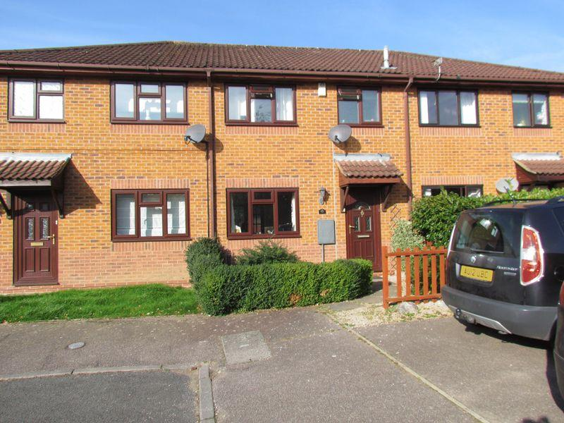 3 Bedrooms Terraced House for sale in Coopers Close, Taverham, Norwich