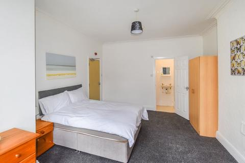 1 bedroom apartment to rent - 1 Park Grove, Shipley
