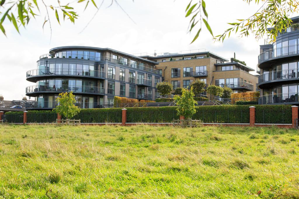 3 Bedrooms Apartment Flat for sale in Kingsley Walk, Cambridge