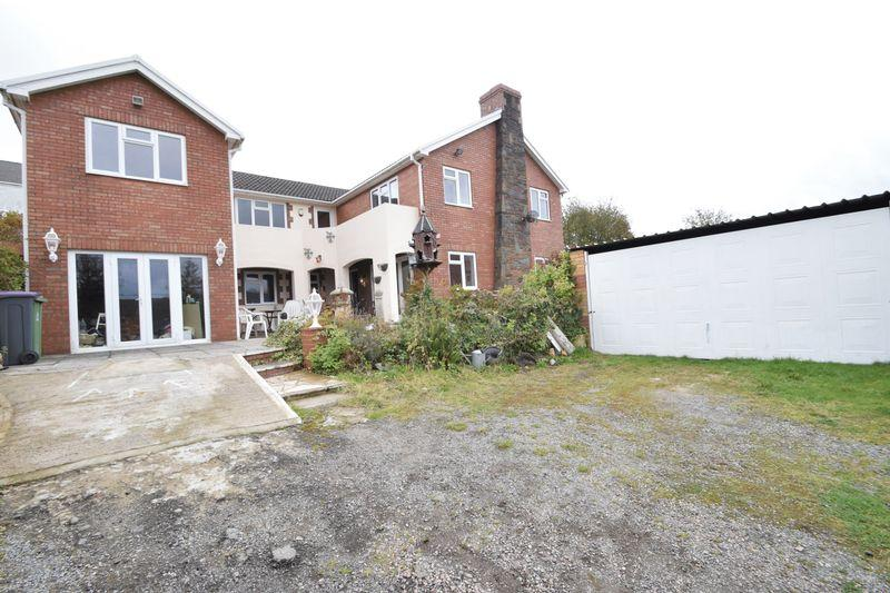 4 Bedrooms Detached House for sale in Stanley Road, Garndiffaith