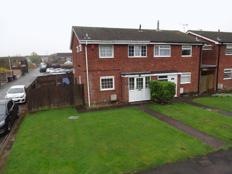 3 Bedrooms Semi Detached House for sale in Houghton Regis, Dunstable