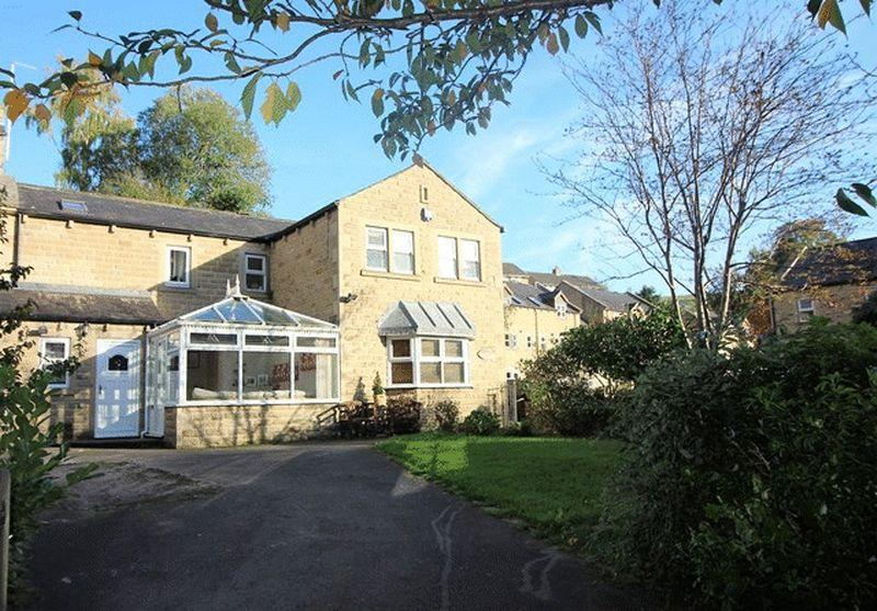 4 Bedrooms Detached House for sale in Bluebell Walk, Luddenden, Halifax