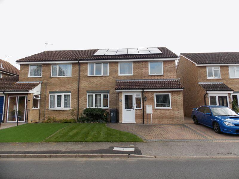 4 Bedrooms Semi Detached House for sale in Raedwald Drive, Bury St. Edmunds