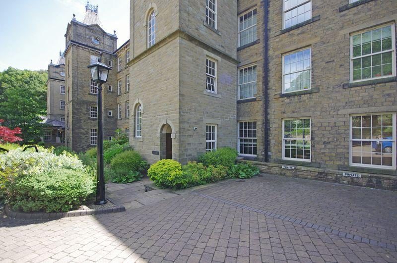 2 Bedrooms Apartment Flat for sale in 11 Ryburn, Barkisland Mill, HX4 0HF