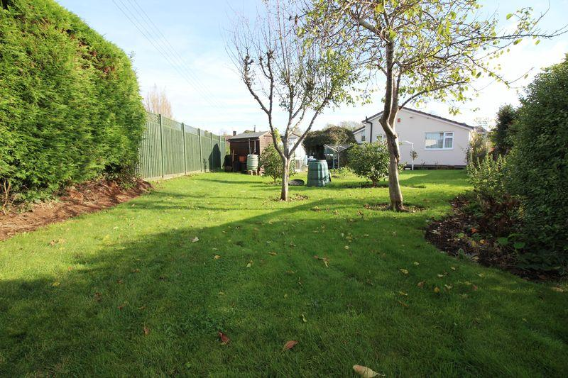 3 Bedrooms Bungalow for sale in Brookside, Pill