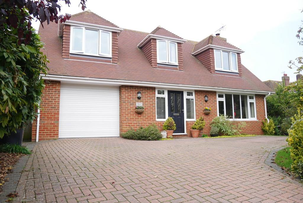 3 Bedrooms Chalet House for sale in Selmeston Road, Eastbourne, BN21