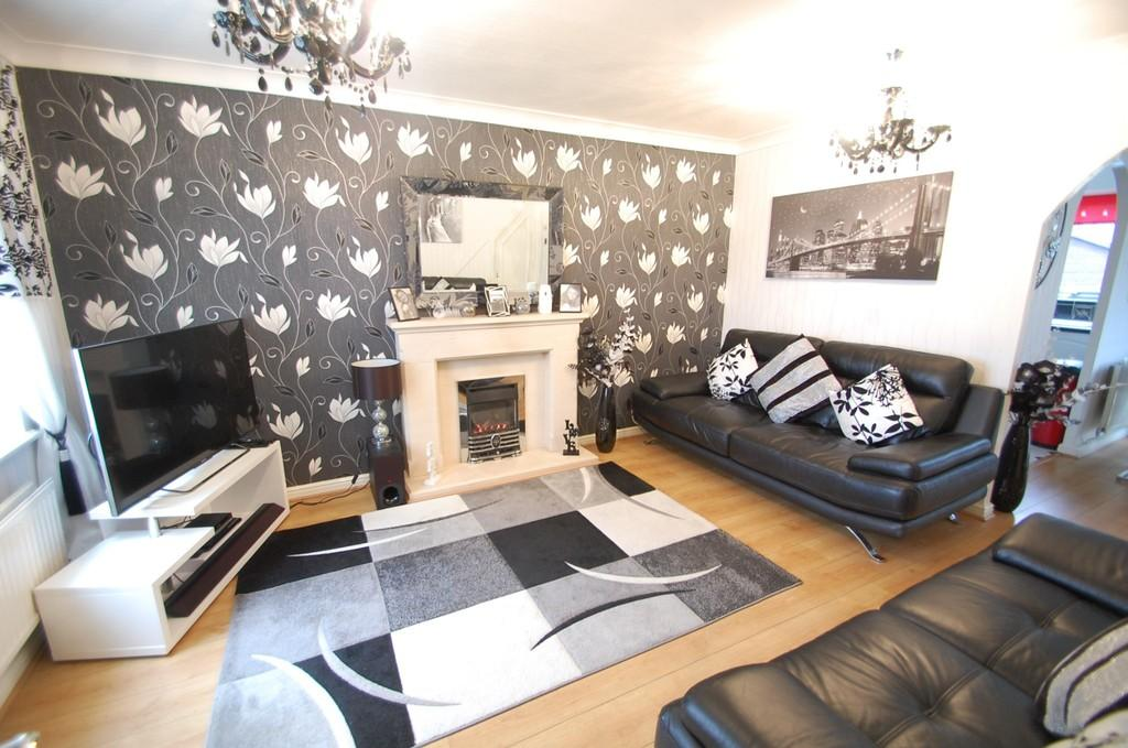 3 Bedrooms Semi Detached House for sale in Martindale Close, Shadsworth, Blackburn