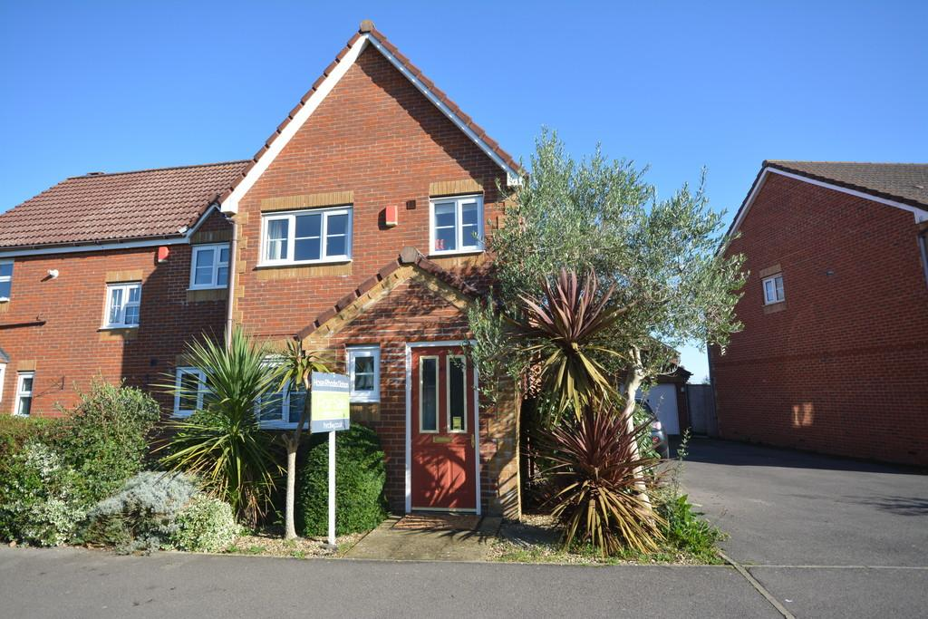 3 Bedrooms Semi Detached House for sale in Seaview Road, Cowes