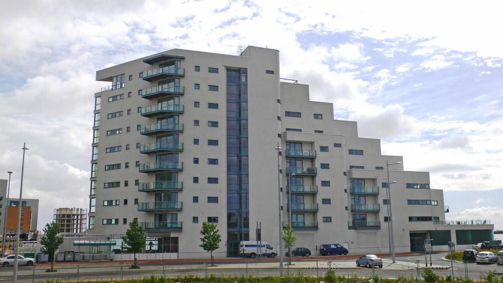 2 Bedrooms Apartment Flat for sale in Watermark, Ferry Road