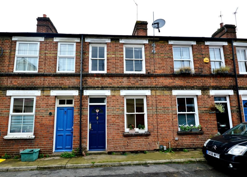 3 Bedrooms Terraced House for sale in Alexandra Terrace, Colchester