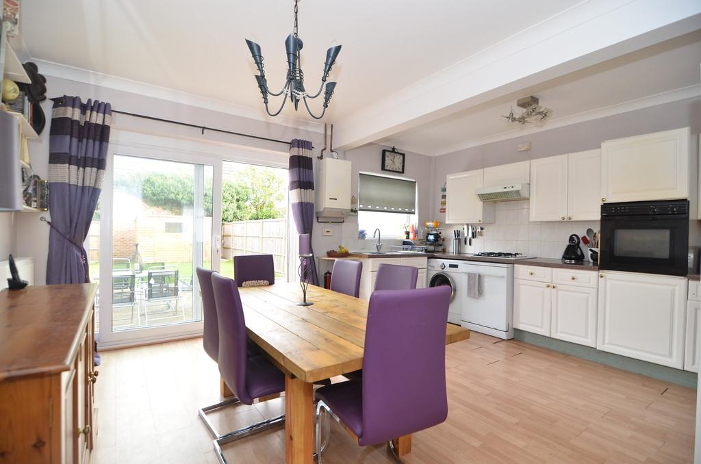 2 Bedrooms Semi Detached House for sale in Ripon Road, Bournemouth