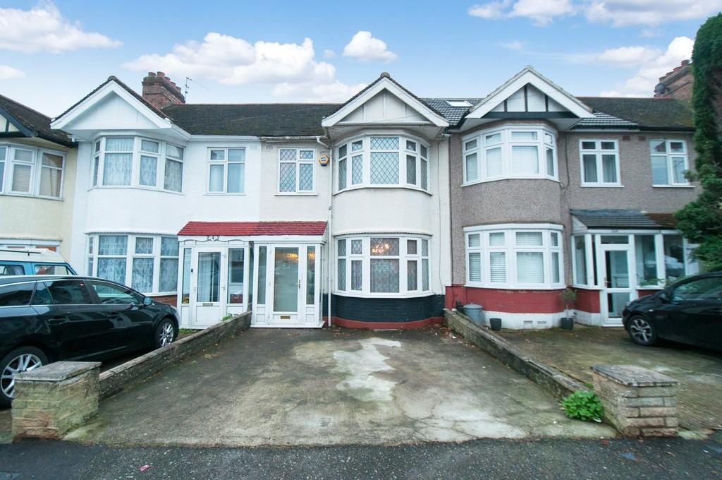4 Bedrooms Terraced House for sale in Buckhurst Way, Buckhurst Hill