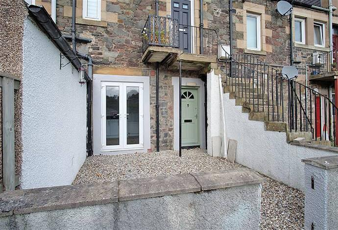 2 Bedrooms Flat for sale in 36 Livingstone Place, Galashiels, TD1 1ED