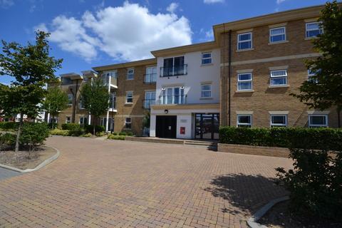 2 bedroom flat for sale - Hazelwood House, 6 Dyas Road, Lower Sunbury, TW16