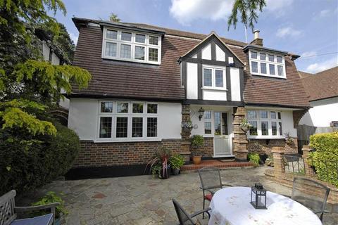 4 bedroom detached house for sale - Harvest Bank Road, West Wickham, Kent