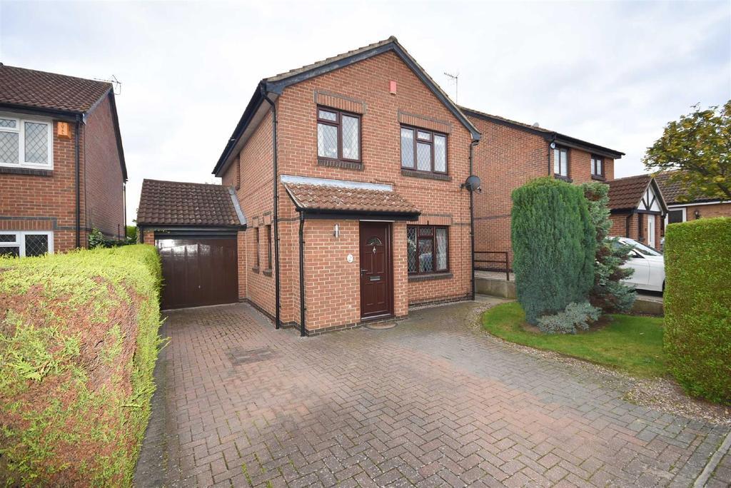 4 Bedrooms Detached House for sale in Claremont Drive, West Bridgford, Nottingham