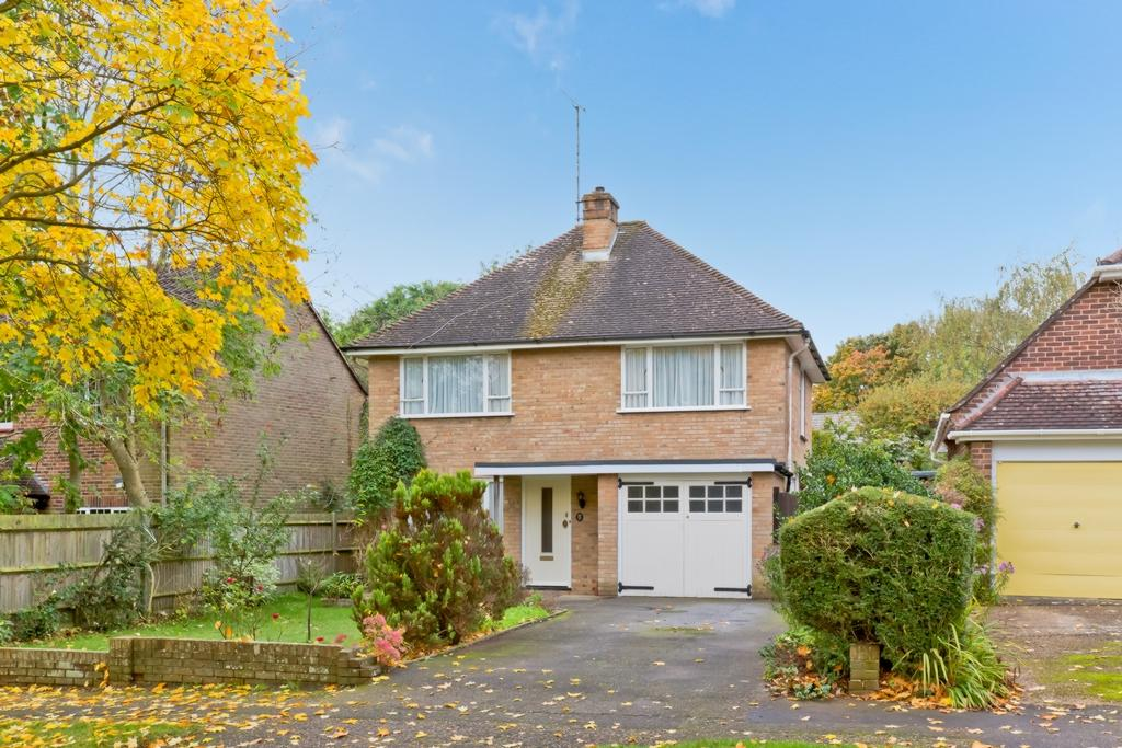 3 Bedrooms House for sale in Dukes Road, Lindfield, RH16