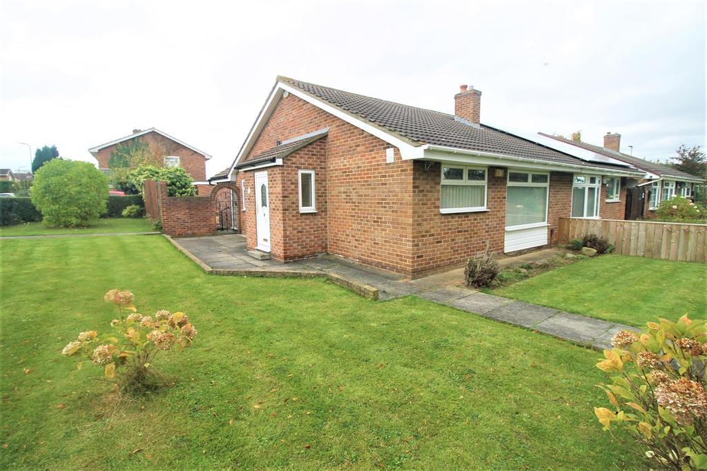 2 Bedrooms Semi Detached Bungalow for sale in Rissington Walk, Thornaby, Stockton-On-Tees