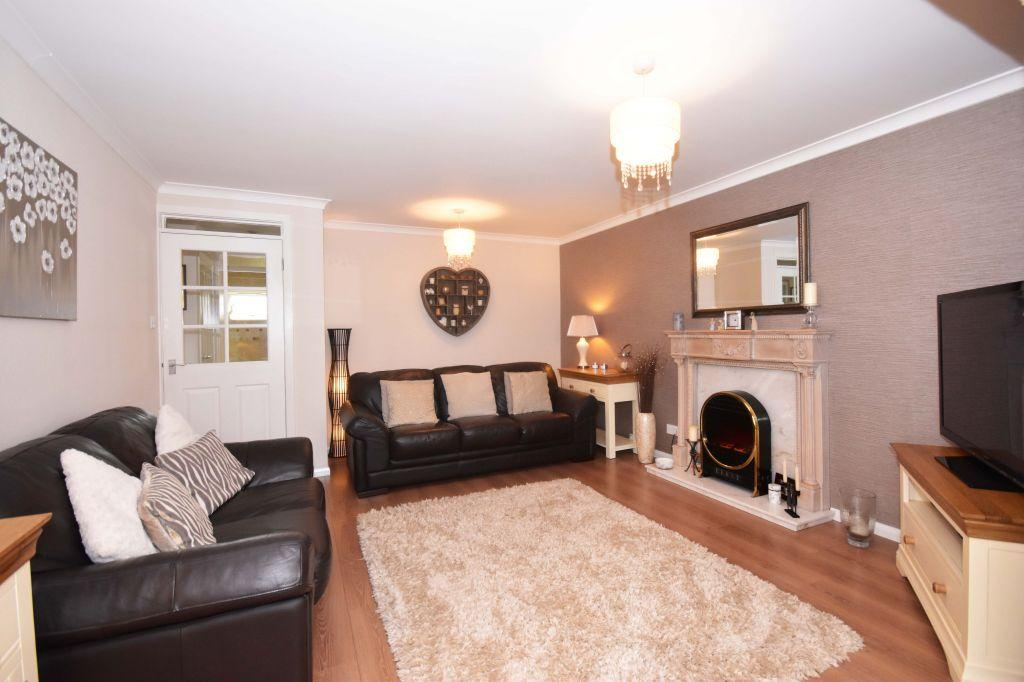 2 Bedrooms Ground Flat for sale in 4 Howden Hall Crescent, Edinburgh, EH16 6UR