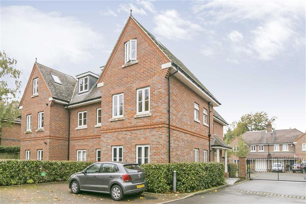 2 Bedrooms Flat for sale in Buckle House, Banstead, Surrey
