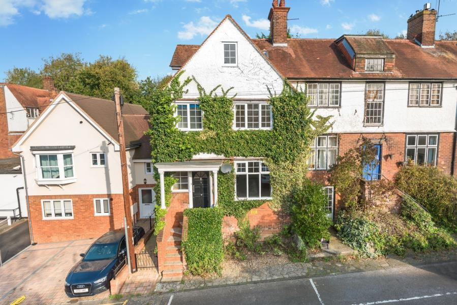 4 Bedrooms End Of Terrace House for sale in The Avenue, Amersham, Bucks HP7