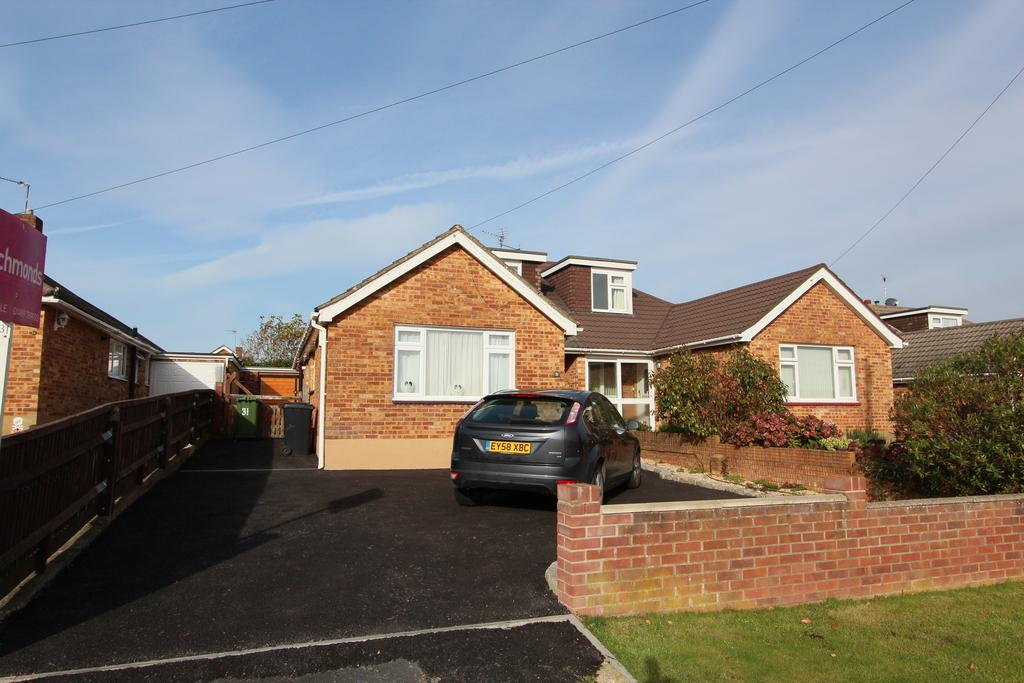 4 Bedrooms Semi Detached Bungalow for sale in Yardley Road, Hedge End SO30