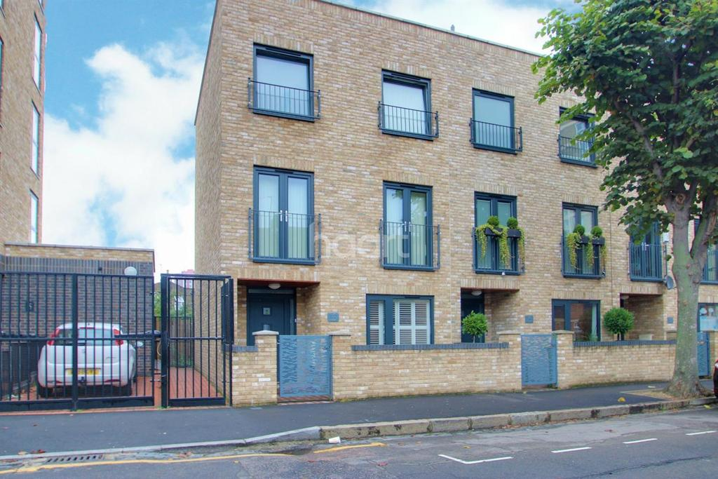 4 Bedrooms End Of Terrace House for sale in Queens Road West, Plaistow