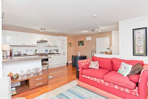 2 bedroom flat to rent - Spacious East Brighton Apartment