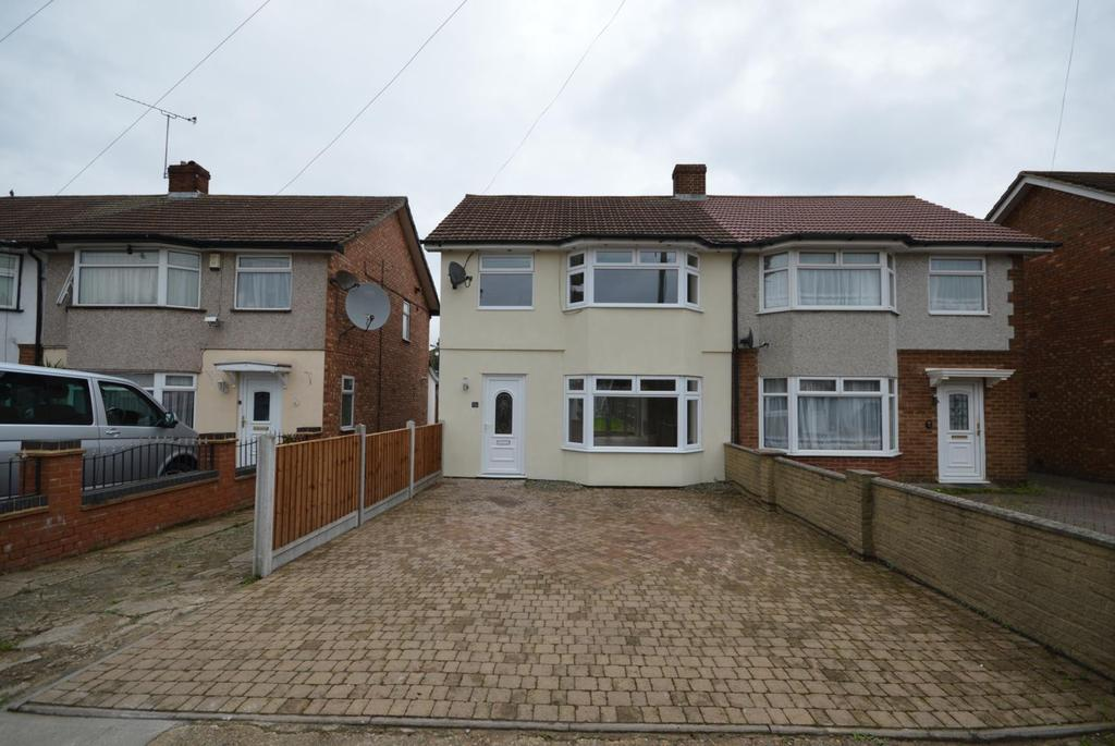 3 Bedrooms Semi Detached House for sale in Hesselyn Drive, Rainham, Essex, RM13