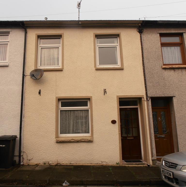 3 Bedrooms Terraced House for sale in Alma Street, Trecynon, Aberdare