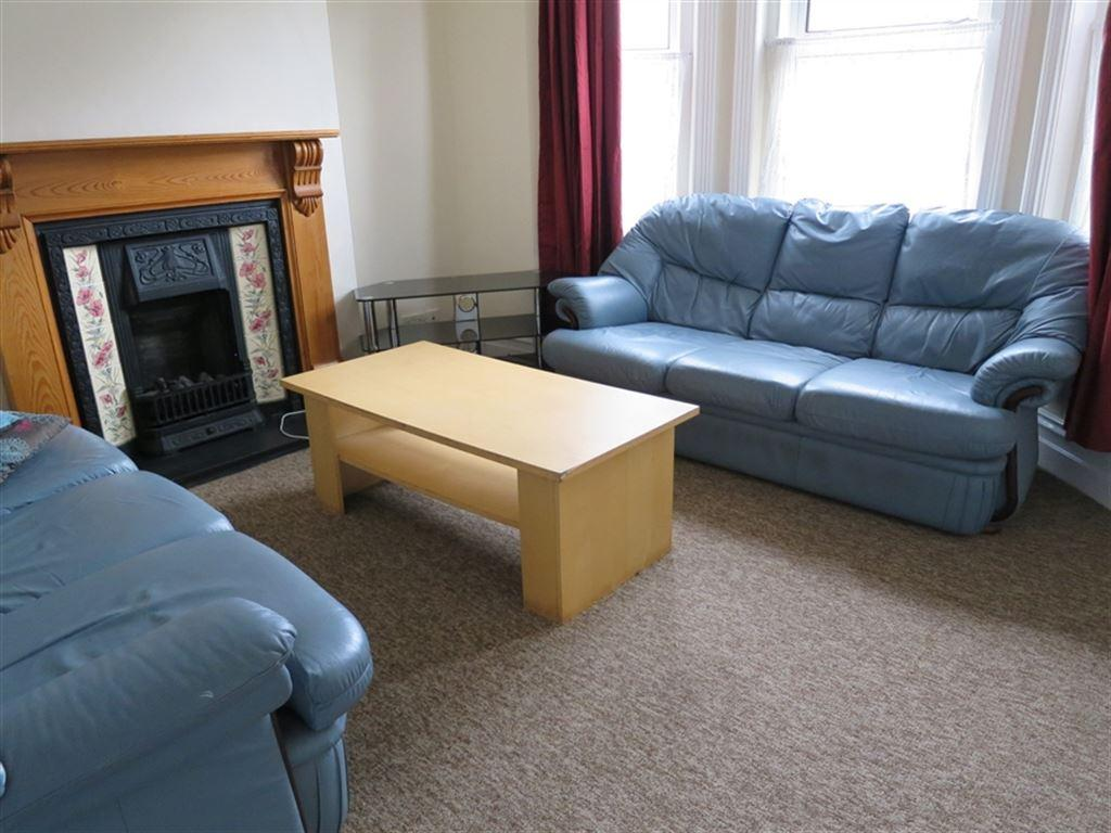 4 Bedrooms House for rent in Brassey Road, Winton, Bournemouth, Dorset
