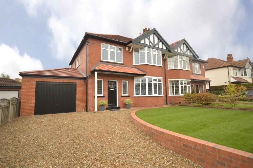 4 Bedrooms Semi Detached House for sale in Kings Mount, Leeds, West Yorkshire