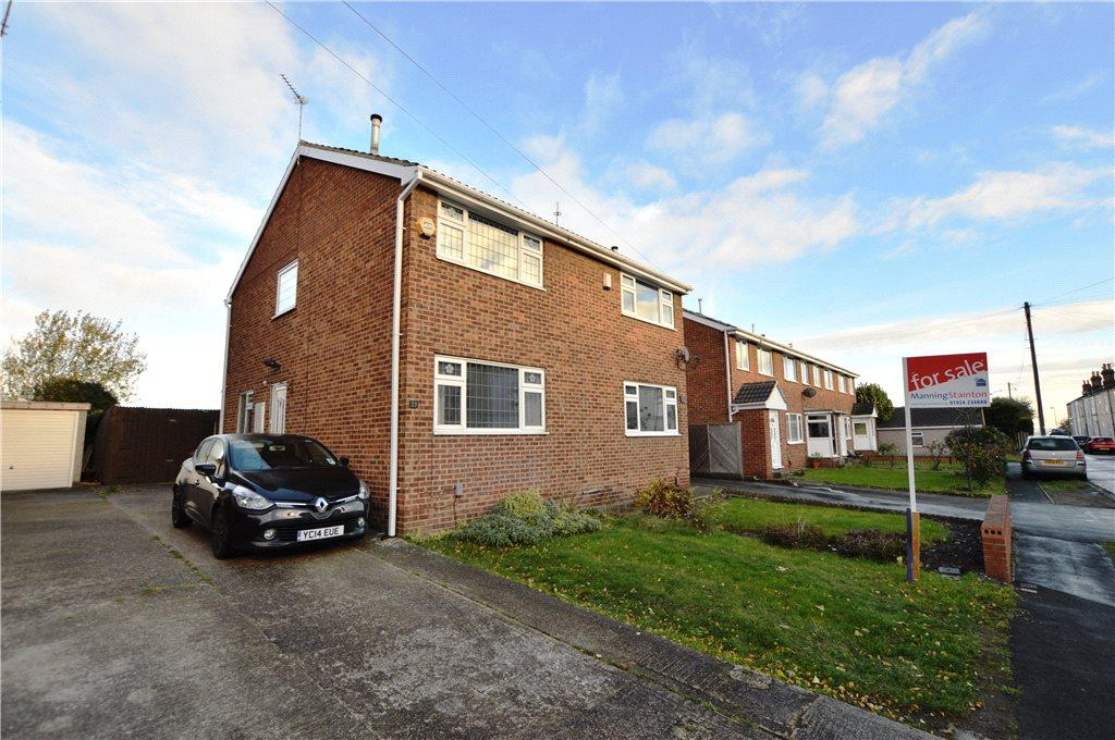 3 Bedrooms Semi Detached House for sale in Silver Street, Newton Hill, Wakefield, West Yorkshire