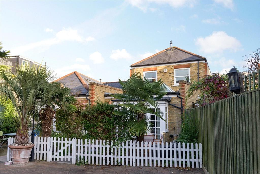 2 Bedrooms Semi Detached House for sale in Balvernie Grove, Putney, London, SW18