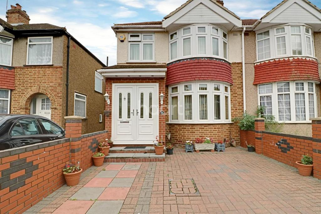 3 Bedrooms Semi Detached House for sale in South Hayes
