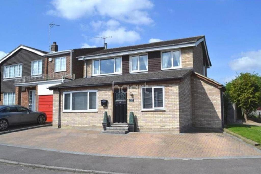 4 Bedrooms Detached House for sale in Buntingford