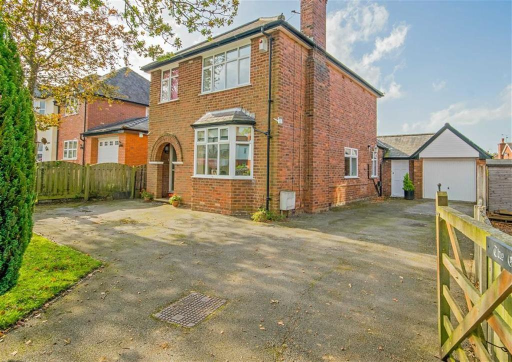 3 Bedrooms Detached House for sale in Abbotts Lane, Penyffordd, Chester, Flintshire