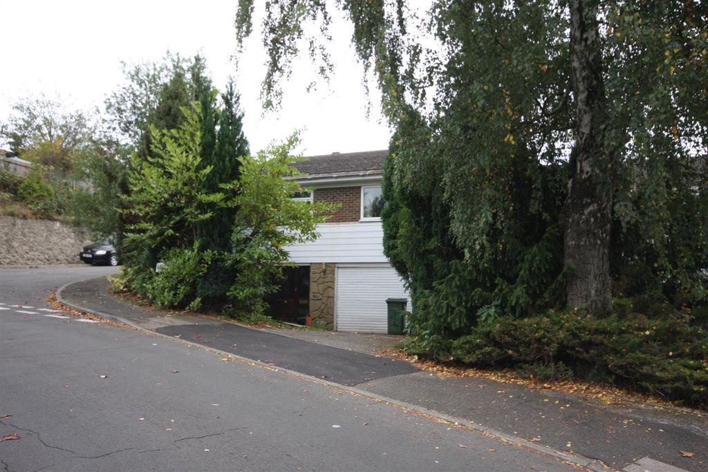 2 Bedrooms Detached House for sale in Woodcut, Penenden Heath, Maidstone