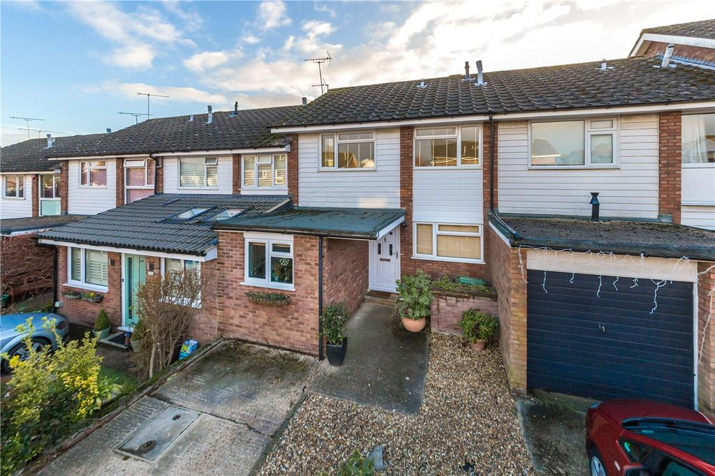 3 Bedrooms Terraced House for sale in Tylers, Harpenden, Hertfordshire